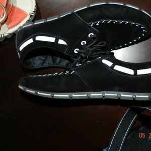 Unknown Shoes - Black w/White Accents Lace Slip on Shoes